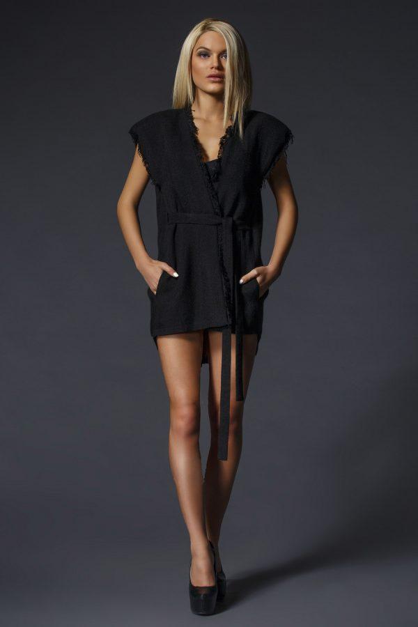 Black_Vest_Dress_With_Big_Shoulders_and_V-Neck_01
