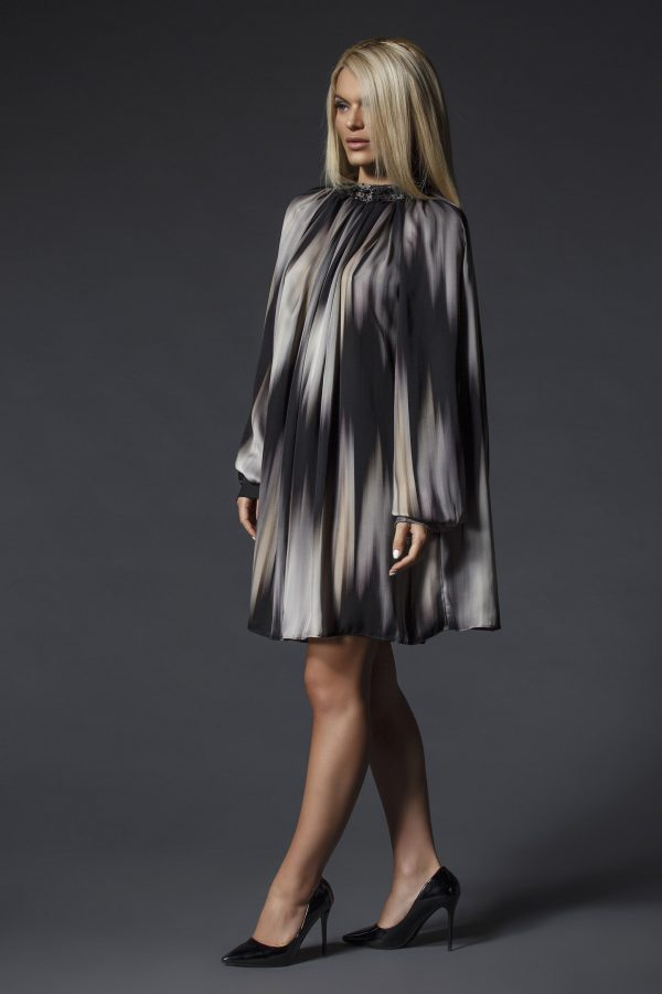 Elegant_Patterned_Oversize_Shirt-Dress_With_Swarovski_Crystals_02